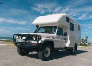 Toyota LandCruiser: World tracker 1.0